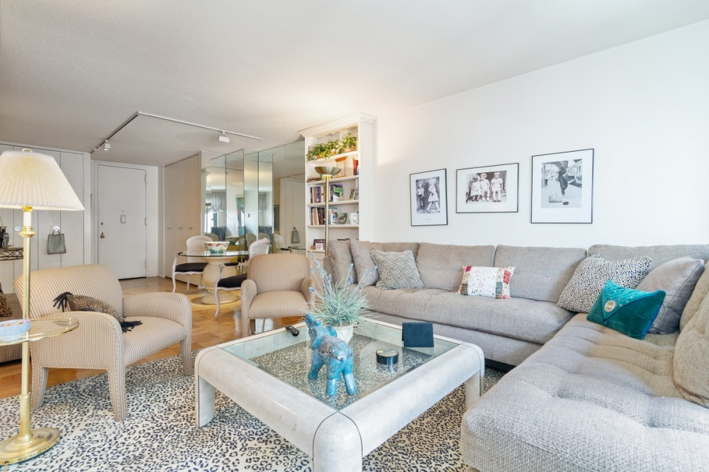 20 West 64th Street, 16T