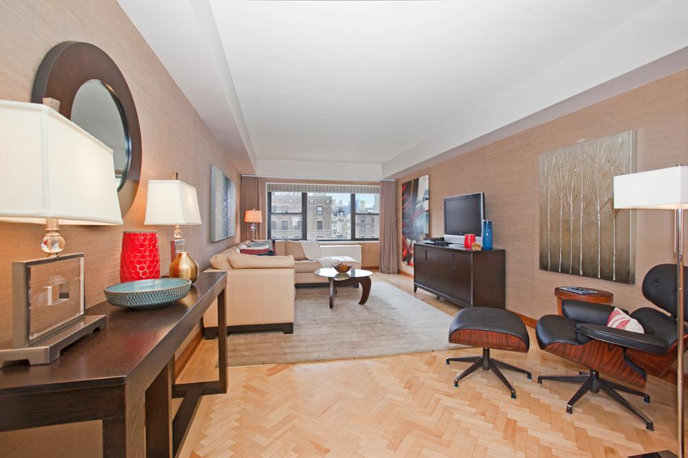 11 e 86th st 17a upper east side new york realdirect for Living room 86th street